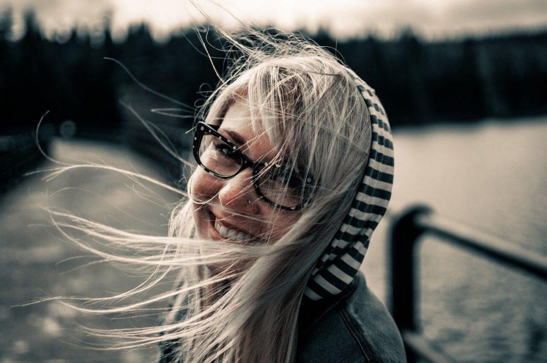 girl nearsightedness